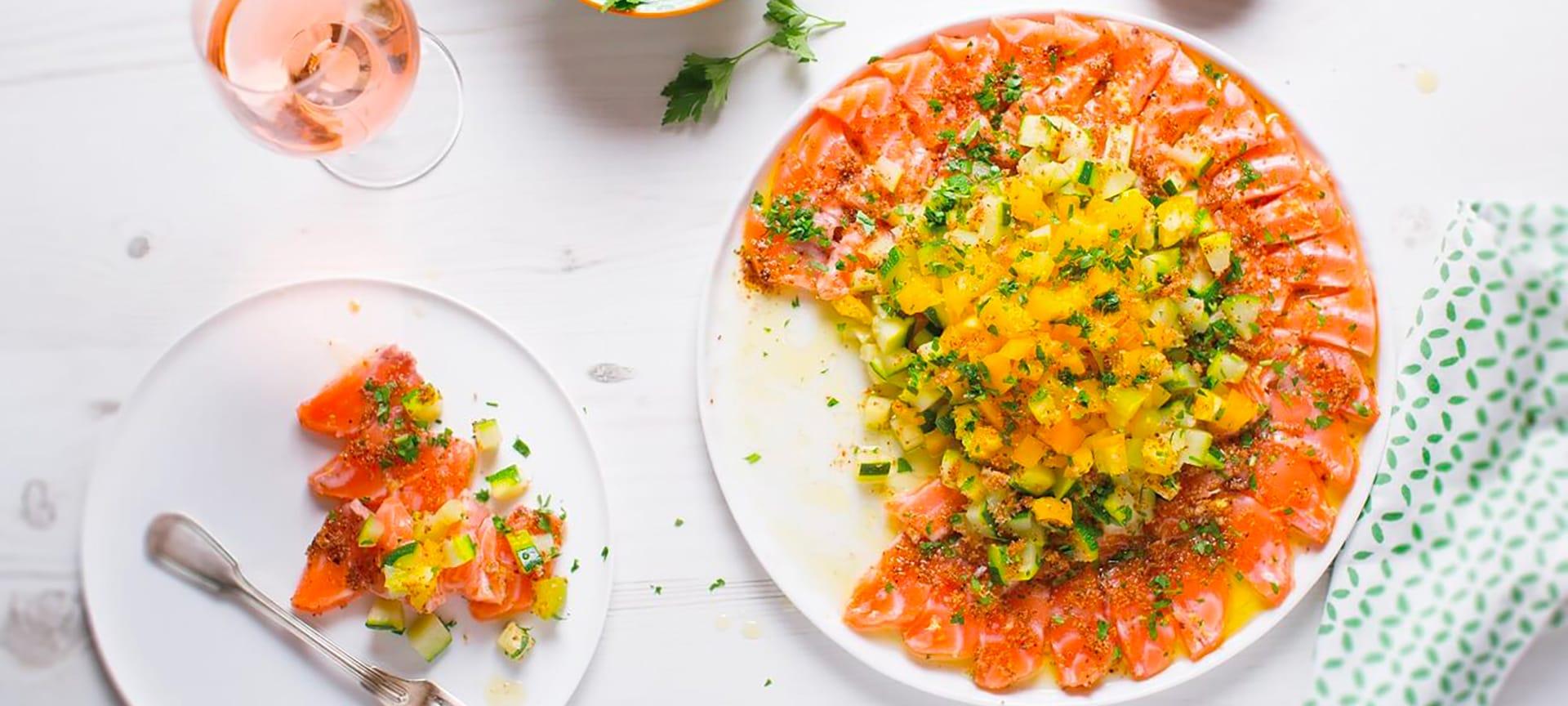 Sashimi de saumon aux légumes croquants